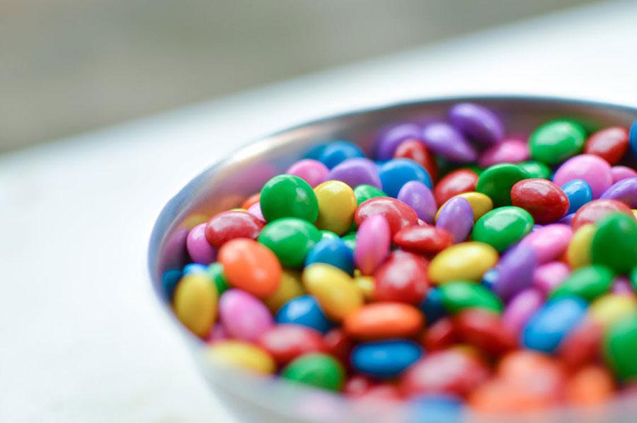 Czy można dawać dzieciom słodycze ?