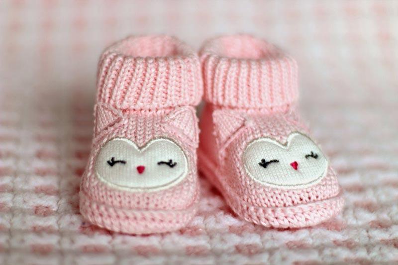Jakie ciuszki wybrać na start dla niemowlaka