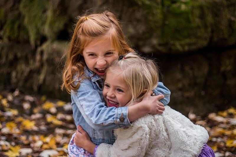 zabawy jesienią z dziećmi